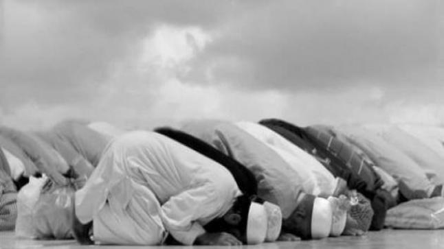 ما هي صلاة الجماعة في الدين الإسلامي